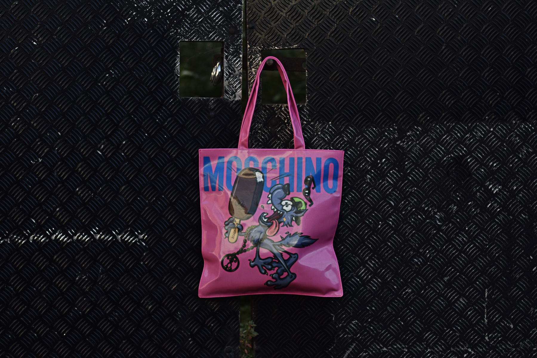 Magnum x Moschino Bag Giveaway - Chapters by S.